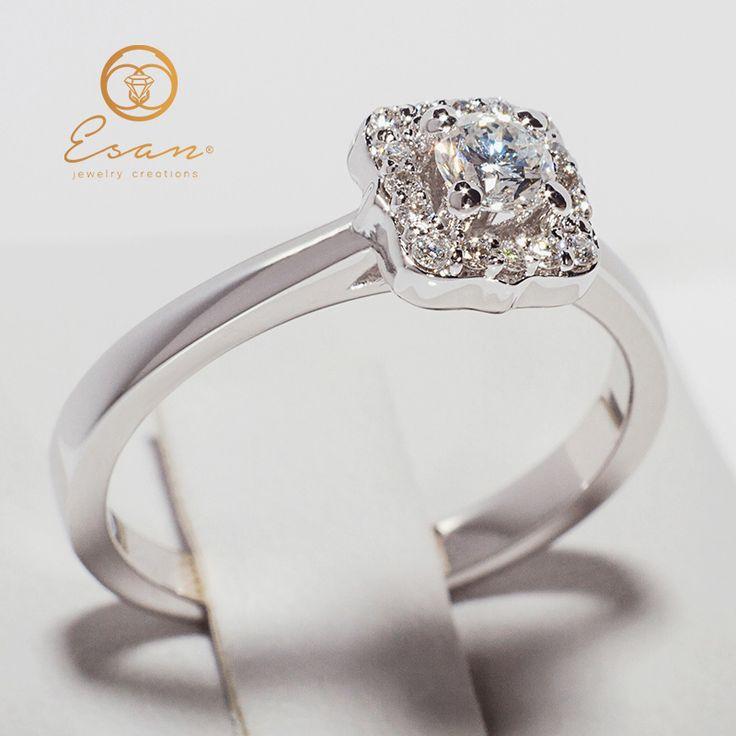 Inel de logodna din aur cu diamante model anturaj ES77