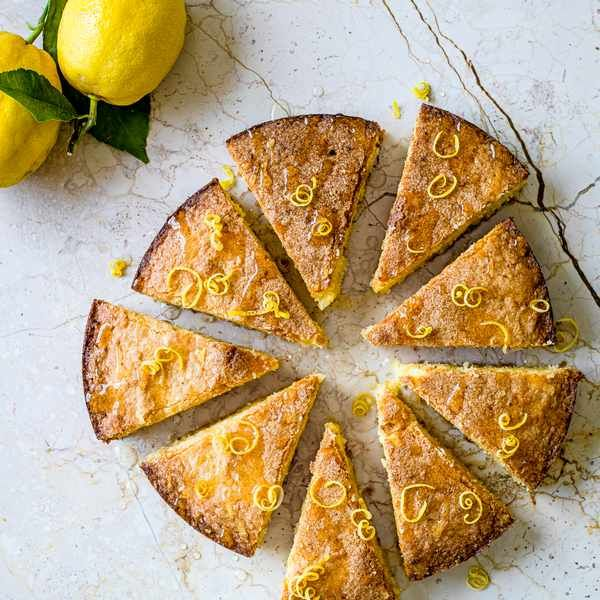 Almond and Amalfi lemon cake