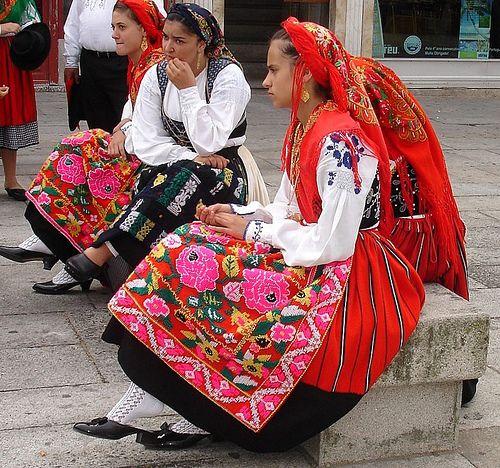 Vestidos de fiesta del Alto Miño portugués