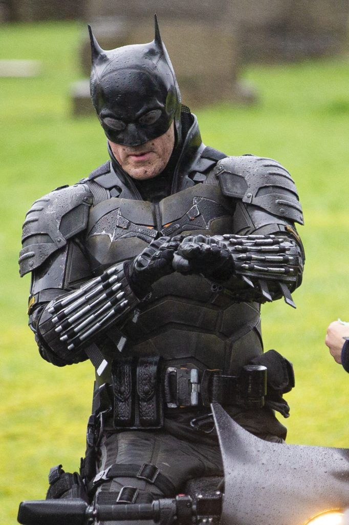 These are the first images of the suit that Robert Pattinson will wear as  Batman | Batman, Batman armor, Batman collectibles