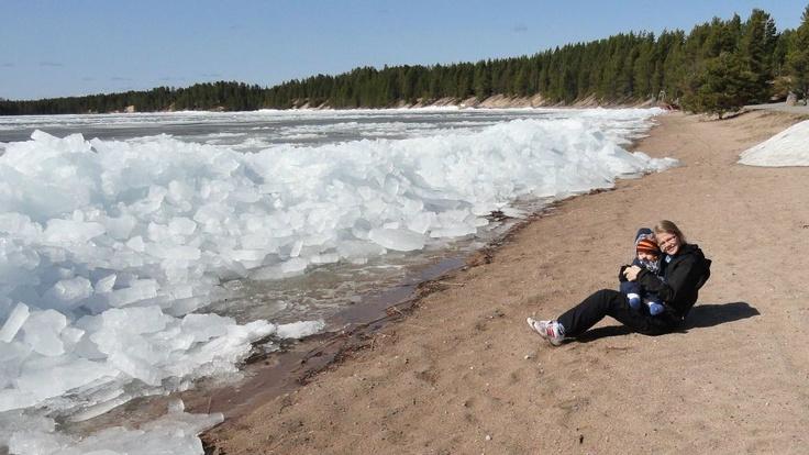 Some icy waves at lake Livojärvi, Posio