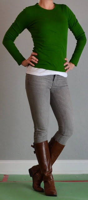 outfit posts: green shirt, grey jeans, brown boots   Outfit Posts Dynamic