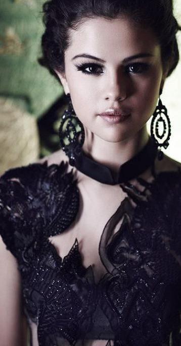 Selena Gomez ♥✤ | Keep Smiling | BeStayBeautiful