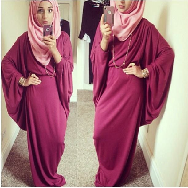 Debora hijab
