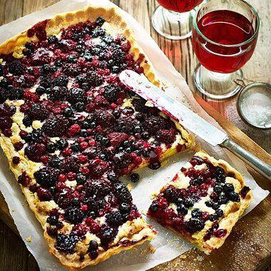Berry & frangipane tart
