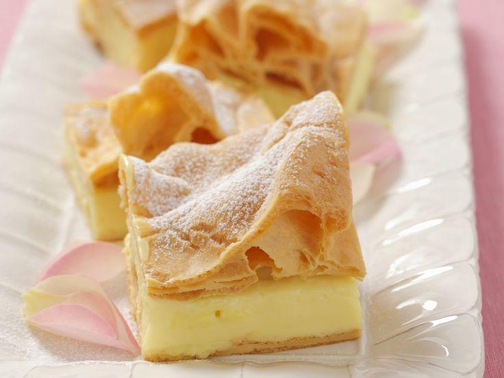 Blätterteigkuchen mit Vanillepudding auf polnische Art | Zeit: 25 Min. | http://eatsmarter.de/rezepte/blaetterteigkuchen-mit-vanillepudding-auf-polnische-art