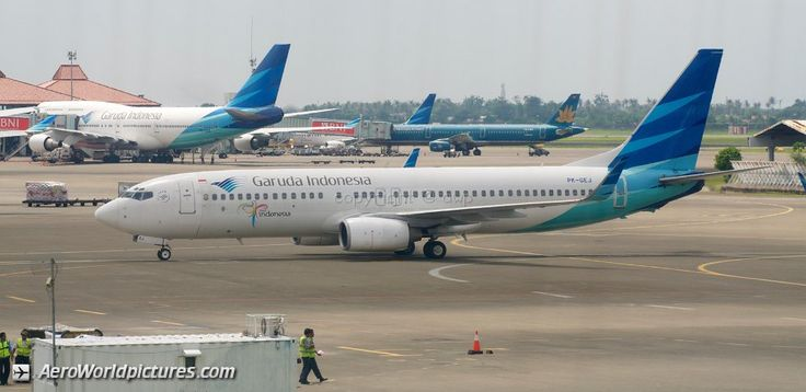 CHR_5560Garuda IndonesiaBoeing 737-86N PK-GEJ (cn 33003/1121). Initially delivered without winglets to Excel Airways in Aprill 2002.