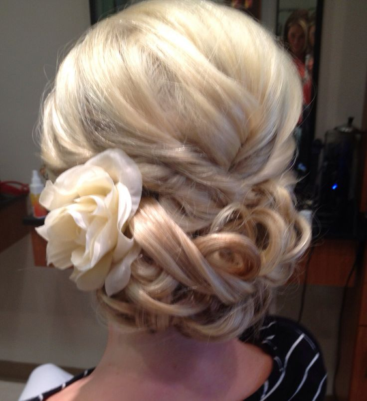 Wedding hair. #bride #wedding #blonde #up-do  By: Vanessa Nelson