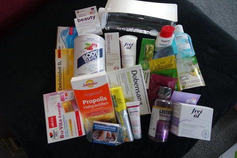 Der Preis 9,99 Euro plus Versand und in begrenzter Stückzahl . Ich habe mir eine bestellt , kann man ja bestimmt bei einer bombastischen Erkältung gut gebrauchen :) Und ausgepackt : * Ein paar Reze… #box #eurapon #euraponbox #apotheke #apothekenbox #gesund #gesundheit #boxenwahn