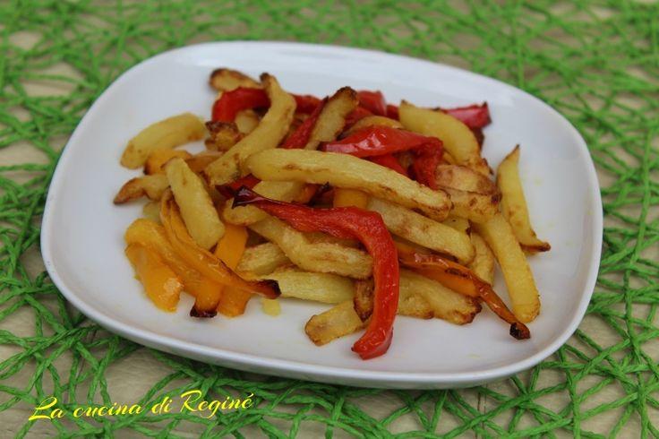 Patatine e peperoni una ricetta di contorno rustico e stuzzicante, da oggi ancora più leggere perché fritte con Airfryer la nuova friggitrice ad aria