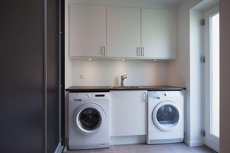 Det er oplagt at have vaskerum i sit bryggers. Her er løsning fra et af vores huse. #nybyggeri #bolig #basebolig #nythjem #nybyg #hjem #nythus #blivnumarts #nybyggerne #kannæstenikkevente #husejer #husbyg #hus #hhus #børneværelse
