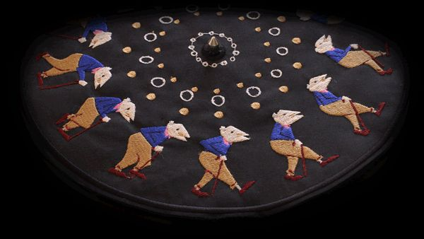 Embroidered Zoetrope by Elliot Schultz, via Behance