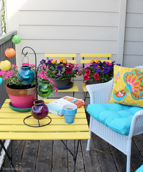 how to decorate a small patio or balcony via live colorful
