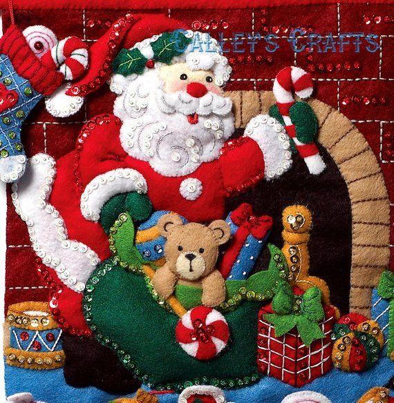Bucilla muss Weihnachtsmann sein ~ Fühlte Weihnachten Adventskalender Kit 86312 Geschenke Spielzeug 2012 DIY – Navidad botas.