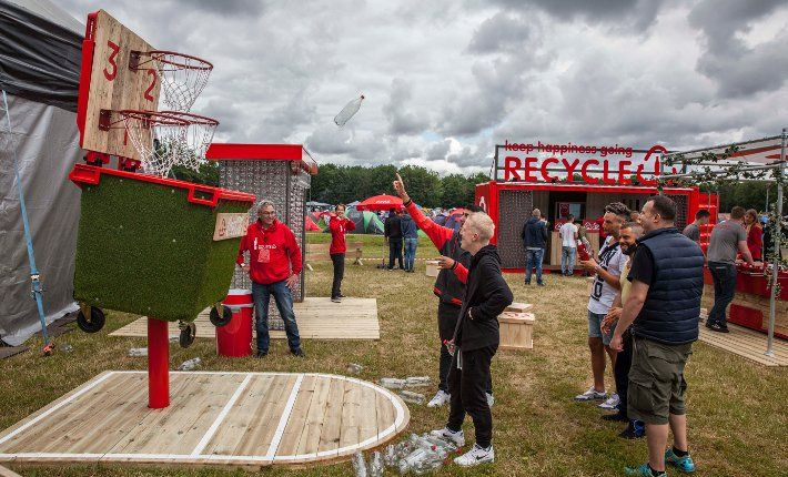 Entertainment company ID&T and manufacturer Coca-Cola have been partners in sustainability since 2012. Together they want to encourage visitors of festivals and events to #recycle. https://www.horecatrends.com/en/idt-and-coca-cola-collaborate-for-recycling-at-festivals/