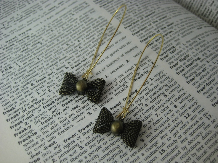 Love these cute little earring from Cinder and Sage