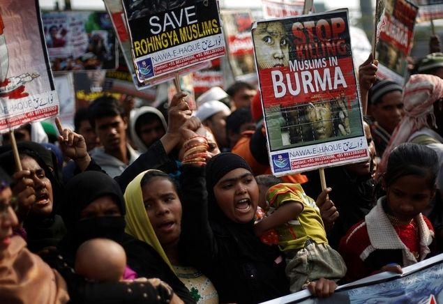 Eks Jurnalis BBC: Umat Islam Indonesia Tidak Seperti Umat Budha Myanmar Yang Menindas Minoritas Rohingya  Umat Islam Indonesia Tidak Seperti Umat Budha Myanmar  by Asyari Usman (Mantan wartawan senior BBC) Banyak orang yang mencemaskan Indonesia akan menjadi negara yang didominasi oleh radikalisme dan ekstremisme. Dan umat Islam sebagai kelompok mayoritas akan berlaku sesuka hati terhadap kelompok minoritas. Kita semua harus mengatakan dengan lantang bahwa umat Islam di Indonesia tidak akan…