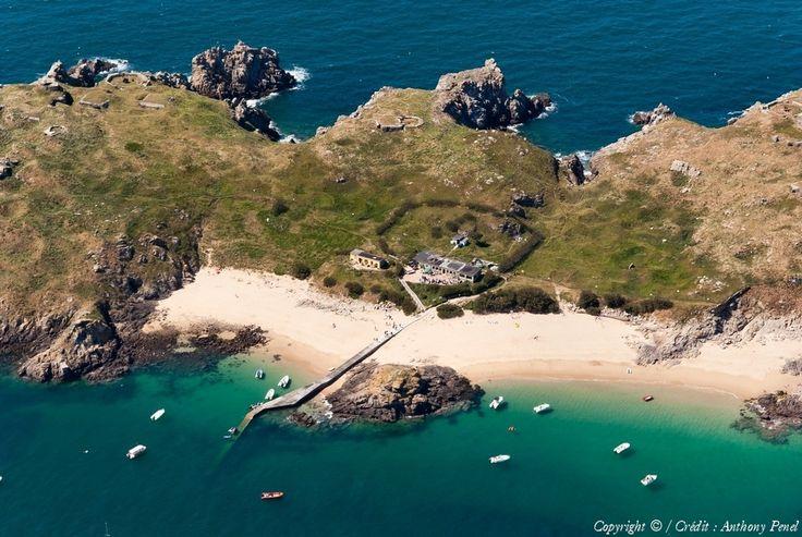 Photo aérienne de Ile de Cézembre - Ille-et-Vilaine (35) Seule plage exposée plein sud