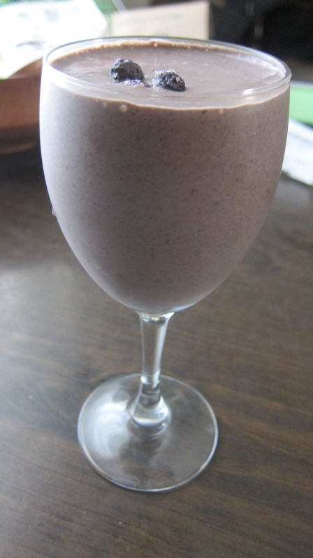 Blueberry Spinach Smoothie - Delicious, healthy way to start the day!