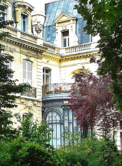 Paris apartment sunroom