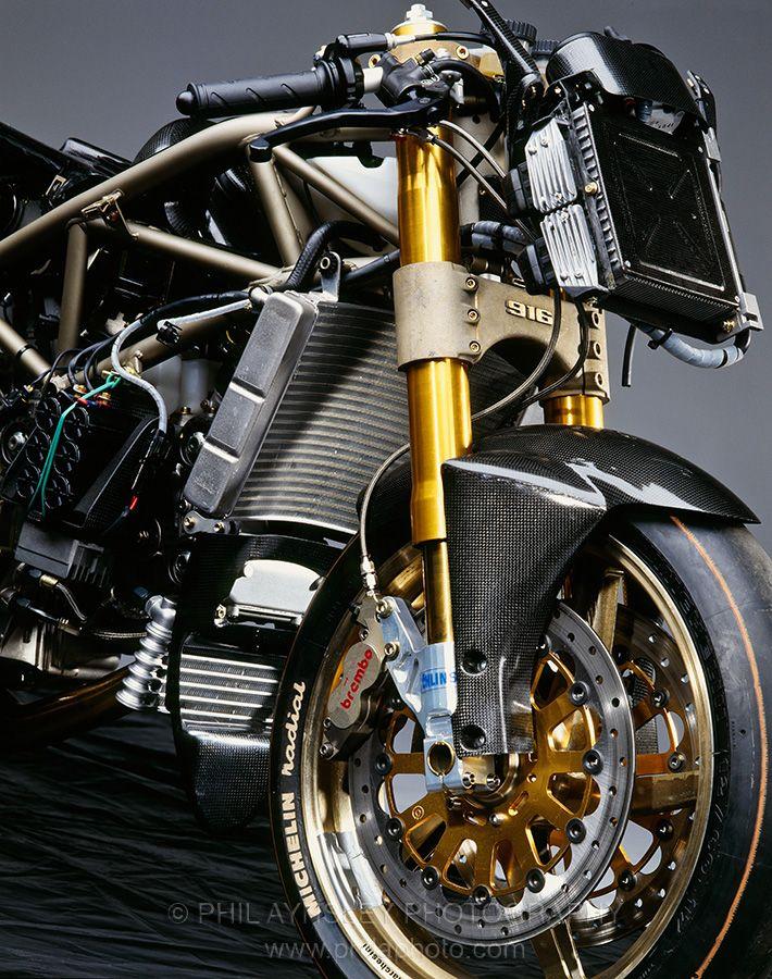 Ducati 916 Racing front view