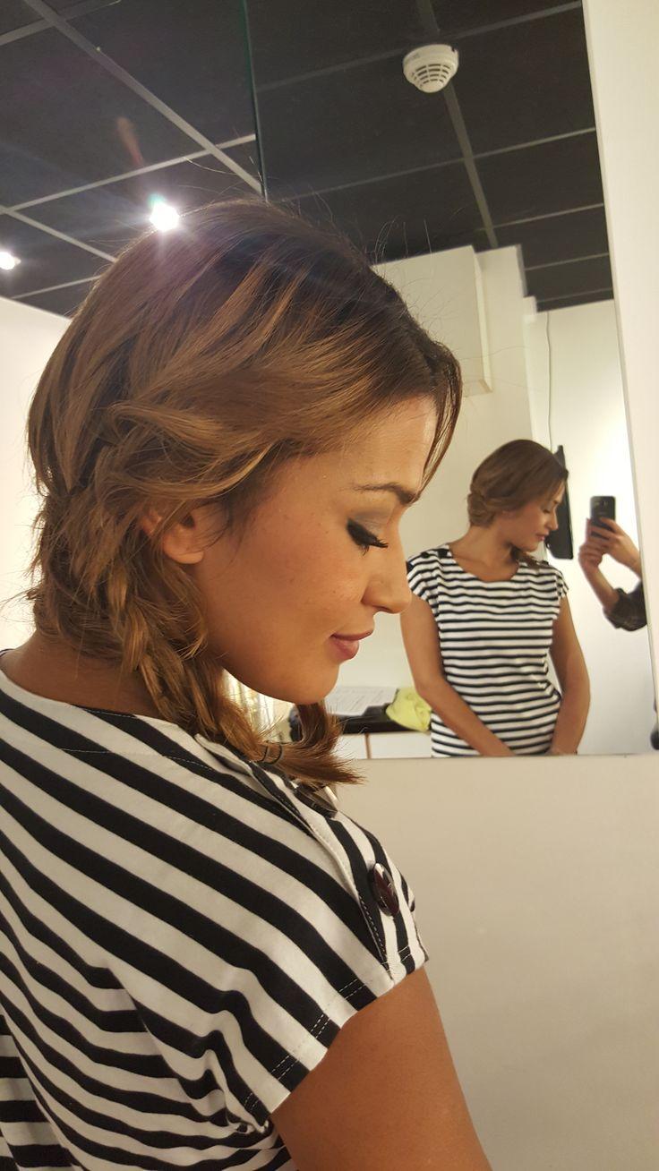 Karima Charni la présentatrice du mag d'NRJ 12 - 5 paquets d'extensions de cheveux en bande adhésives ; 3x #8 et  2x #6.