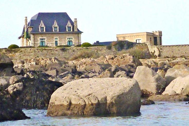 Pays de la Loire, Pointe du Croisic, Le Fort de l'Océan. Un trésor de l'histoire vous attend pour vivre une expérience unique dans un fort ! Vivez au rythme des marées et appréciez les spécialités de la mer spécialement concoctées pour vous.
