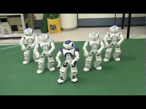 Robots Dance to 'Thriller'