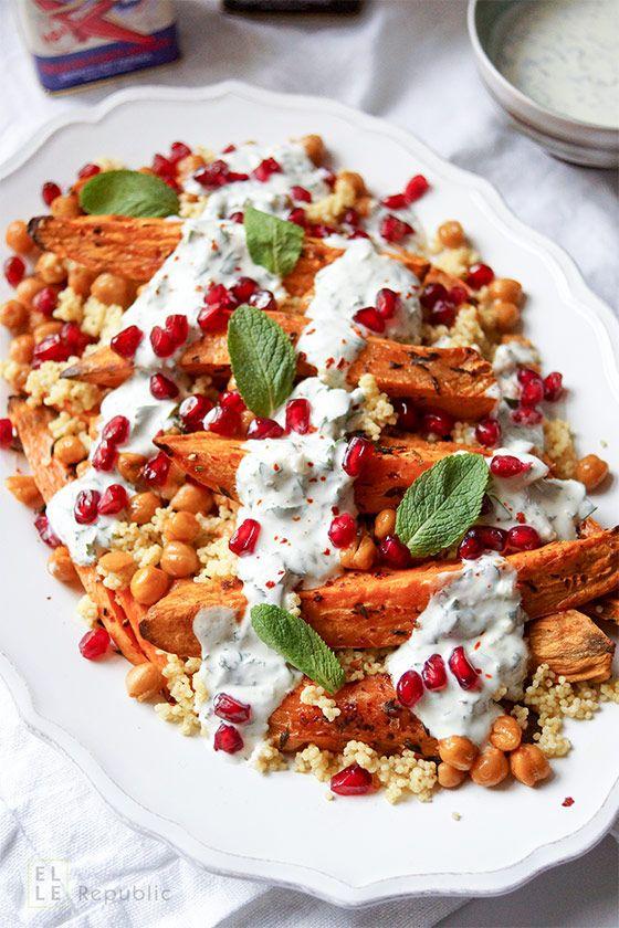 Geröstete Süßkartoffeln und Kichererbsen mit Hirse und Kräuterjoghurt