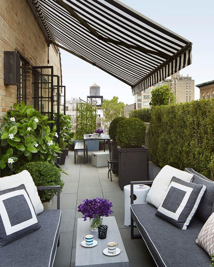 Thank you @elledecor for featuring my terrace! Here's another shot of it. Happy Monday! #terrace #timothywhealon #InPursuitOfBeauty [:Max Kim-Bee]