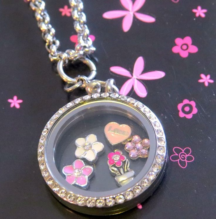 "{Featured Friday!} Check out this beautiful ""I love Flowers"" locket created by one of our Design Consultants, Angela Streeter! Contact her to help you create a personalised locket of your very own! Lily Anne Designs. Angela Streeter- Independent Design Consultant or www.1539288.LilyAnneDesigns.com.au"