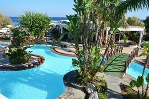 Hotel Calypso Beach  Description: Ligging:Direct gelegen aan het prachtige zandstrand van Faliraki op ca 2 km van het centrum. Rhodos-Stad ligt op 12 km.Faciliteiten:Calypso Beach beschikt over 324 kamers lobby met receptie en...  Price: 452.00  Meer informatie  #beach #beachcheck #summer #holiday