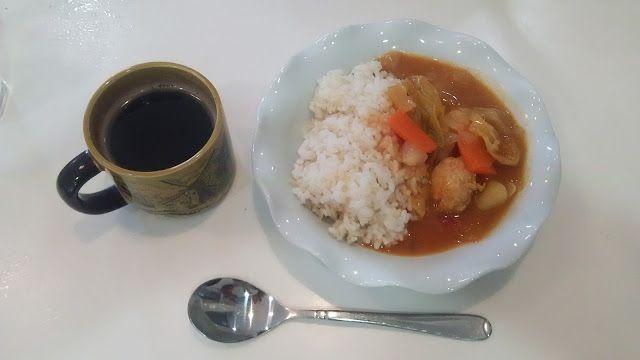 朝はトマトシチューの残り。写真がきれいに写っている。テーブルをちゃんと拭くのがコツだ。 不味そう飯 今日も順調にまずい! 不味そうな食事を紹介します。 The morning is the remainder of the tomato stew. A photograph comes out neatly. It is an art to wipe a table properly. Unappetizing meal It is bad smoothly today! I introduce an unappetizing meal. http://www.bad-food.kandamori.net/2017/02/blog-post_29.html #朝食 #夕食 #昼食 #ランチ #グルメ #ディナー #食事 #料理 #食料 #食べ物 #ご飯 #Breakfast #dinner #lunch #gourmet #meal #Dish #food #rice #cook #cooking