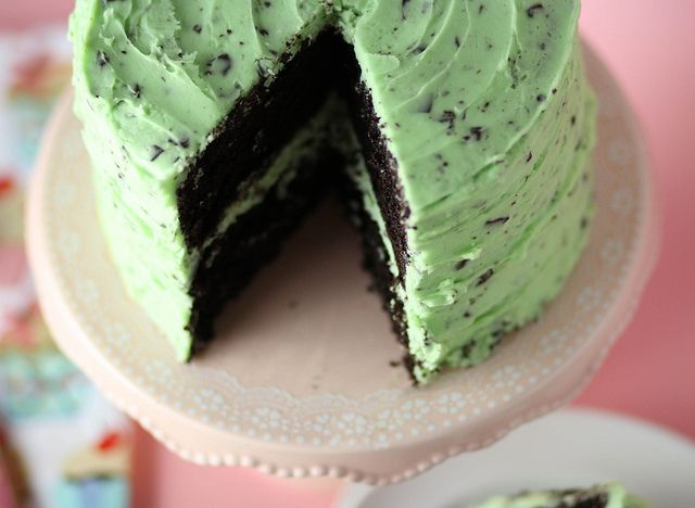 i'm officially in love with this mint chocolate chip cake from @Krista Newall Roland