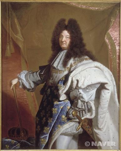 1660년대 이후에는 가발을 쓰는 것이 널리 유행하였다.  이아생트 리고, 루이 14세의 초상, 베르사이유와 트리아농 궁 소장