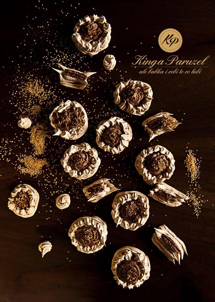 Karmelowe bezy z kremem kawowym - Caramel meringue with coffee cream http://kingaparuzel.pl/blog/2013/09/karmelowe-bezy-z-kremem-kawowym/ #fooddesign #foodstyling #foodtrend #foodsetter #food #foodpic #eat #cooking #recipe #FDLmoment #ilovefood #ilovecooking #ilovetocook #foodlove #foodlovers #foodpassion #foodie #foodaholic #foodvictim #foodaddiction  #foodism #foodobsession #foodventures #sogood #delish #delicious #tasty #yummy  #yumyum