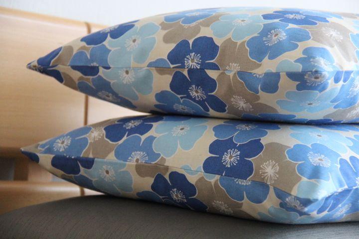Modrá louka,  Originální dekorativní bavlněné povlaky na polštáře, šité z kvalitní designované 100% bavlny vyšší gramáže, k zútulnění vašeho domova.