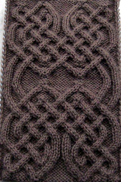 Ravelry: Celtic Motif (knot #82) pattern by Devorgilla's Knitting (sometimes...)