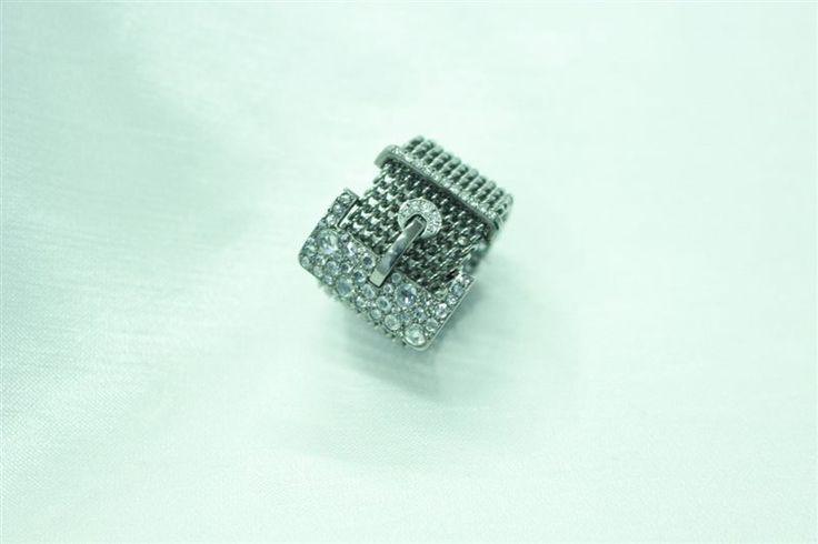 anello in titanio naturale maglia milanese e fibbia con brillanti