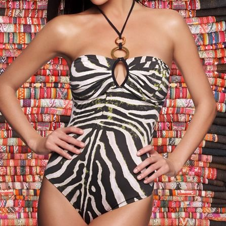 (http://www.notinthemalls.com/products/Aguaclara%2dSavana-Black-&-White-Animal-print-One-Piece.html)