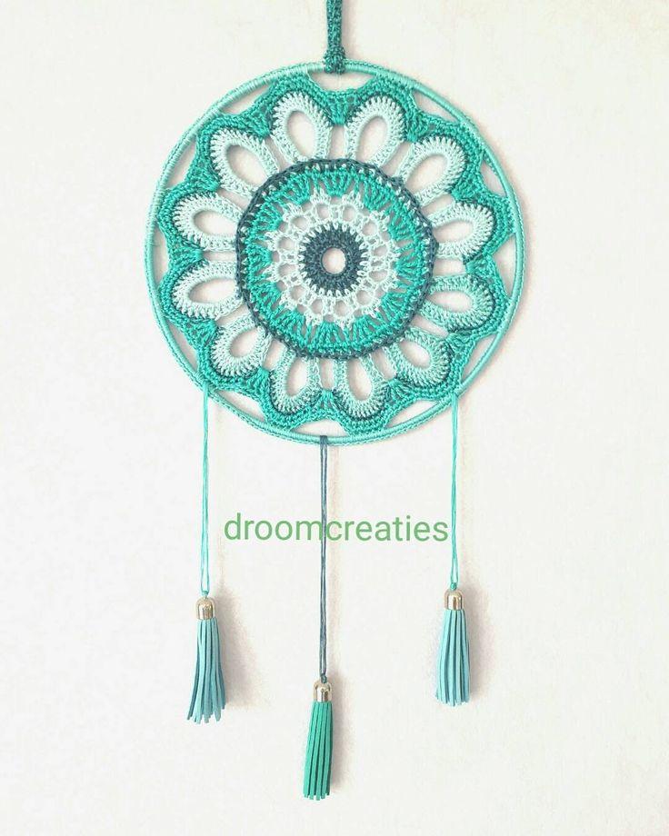 Dreamcatcher Zinnia ~handmade with  crochet yarn    #dreamcatcher #dromenvanger #zinnia #flower #crochet #yarn #haakgaren #handmade #handgemaakt #gehaakt #haken #green #groen #creative #droomcreaties