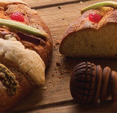 Receta para preparar de manera fácil una deliciosa rosca de Reyes para convivir con la familia este 6 de enero.