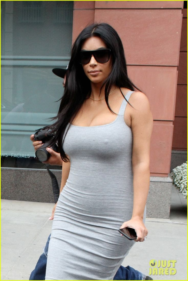 Kim Kardashian shows off her curves while dropping by Anastasia salon on Friday (June 12) in Beverly Hills, Calif.
