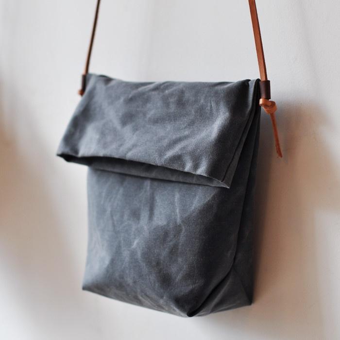 FIELD BAG - charcoal waxed canvas