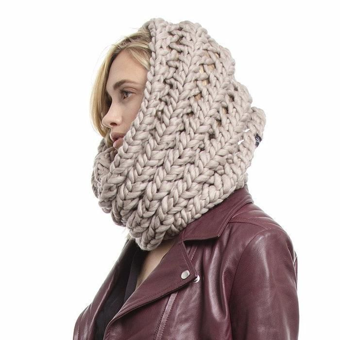 The Nantucket Hand Knit Infinity Scarf Schals Pulli