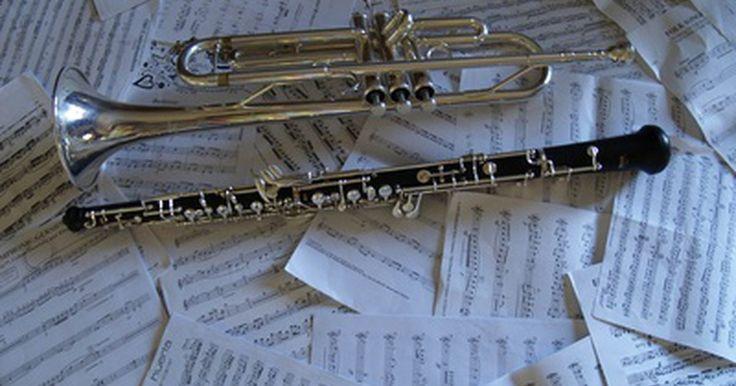 ¿Cómo producen sonidos los instrumentos de viento?. Los instrumentos de viento hacen que una columna de aire en movimiento se convierta en sonido, ya sea que el aire salga de los pulmones del músico o de un dispositivo externo. Esta categoría de instrumentos se extiende mucho más allá de la familia de instrumentos de metal o de viento de la orquesta, también podemos incluir armónicas, acordeones y ...