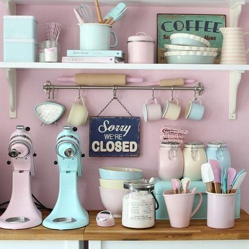 Rockabilly Kitchen Decor: 17 Best Ideas About Rockabilly Home Decor On Pinterest