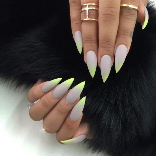 #matte #stiletto #nails #nägel #grau #ombre #neon #grün #gelnägel #trend #2016 #statement #ring #gold