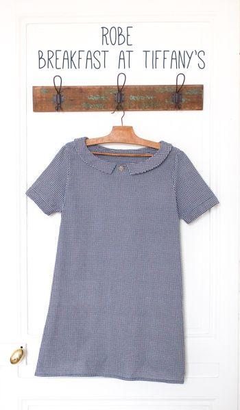 Robe Mathilde dans Un été couture - République du chiffon - Tissu chevron bleu et blanc