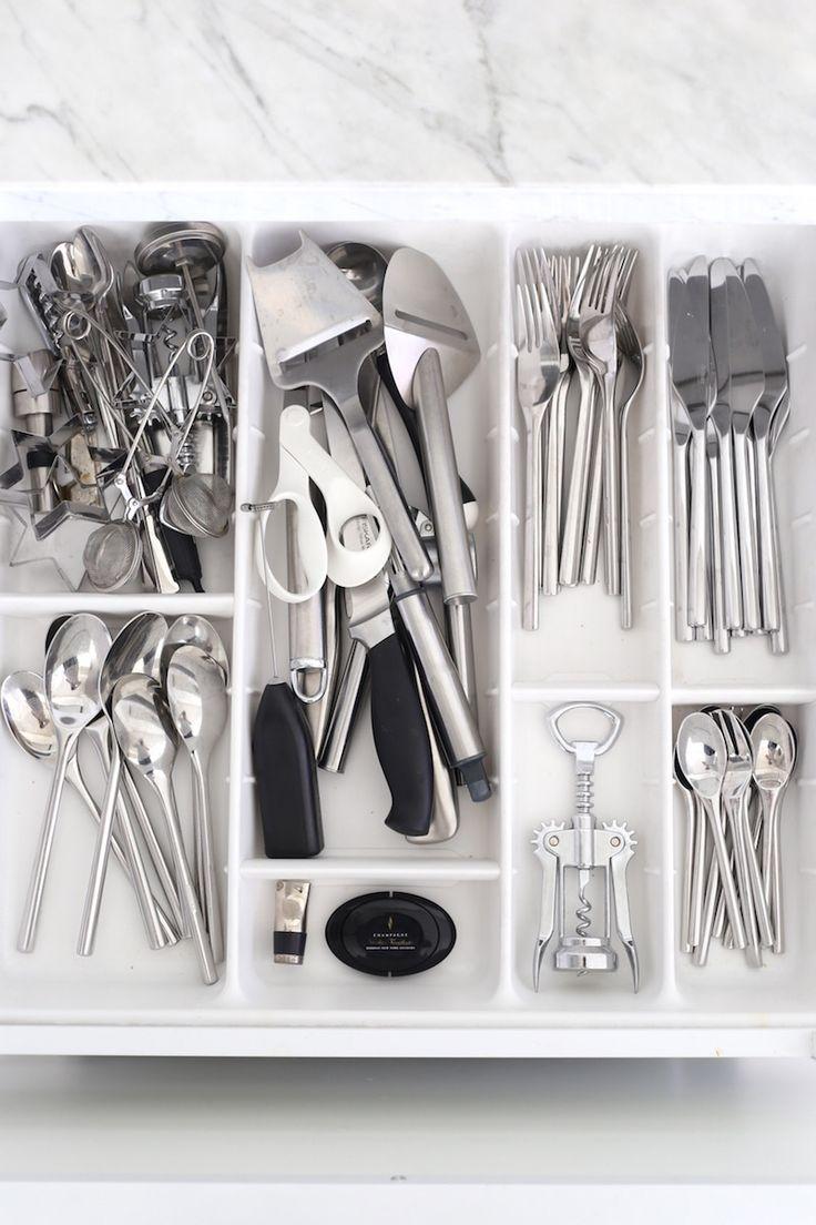 Homevialaura | white kitchen | our collection of tableware | Iittala Artik…